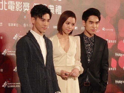 左からマーカス・チャン(張立昂)、ビビアン・ソン(宋芸樺)チャン・シューハオ(張書豪)