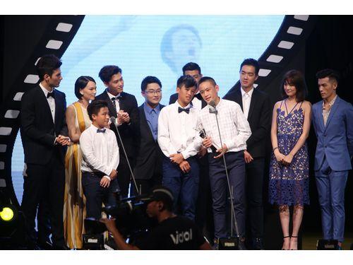 ステージ上でスピーチするキャスト(台北映画祭提供)