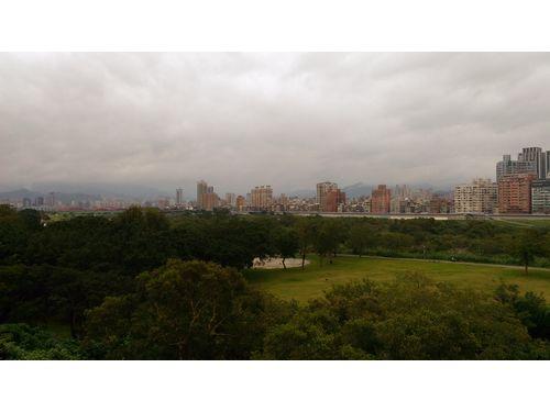 ランニングコースとして人気の新店渓沿いの古亭河浜公園