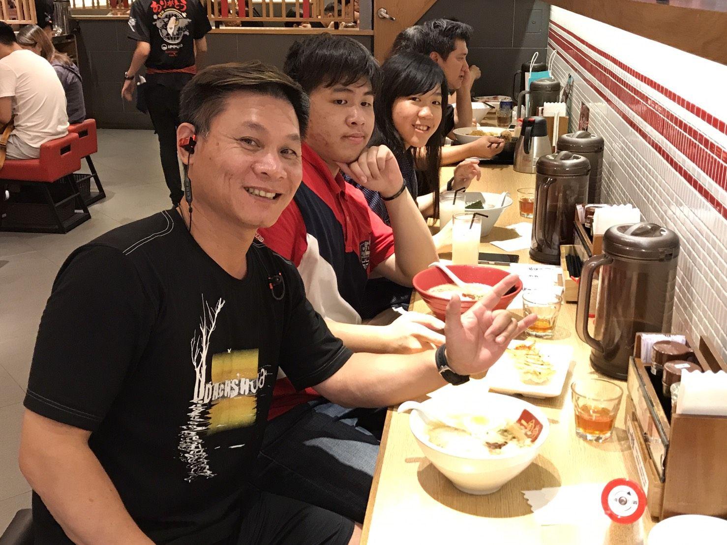 台湾は日本から近く、親日。近年、一風堂、山頭火、一蘭などの日本のラーメン店がどんどん台湾に出店し、台湾は日本風ラーメンの激戦区となっっている。
