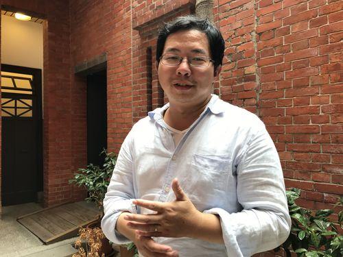 台北街歩きツアー企画で台湾文化への自信を高める邱さん