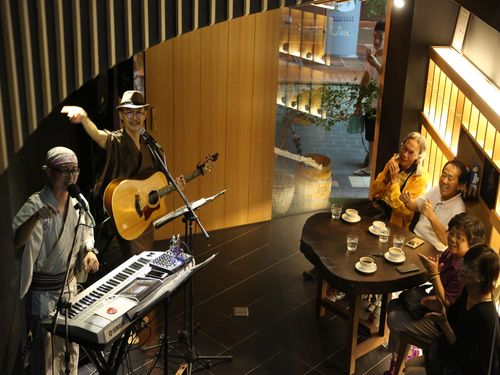 馬場さんと阿家による日台混成のデュオバンド 台湾の魅力を伝える