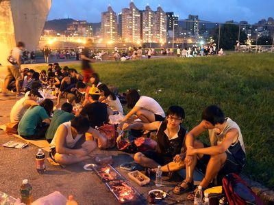台湾の十五夜、中秋の名月は焼肉とともに