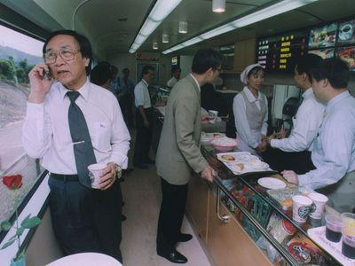 台湾鉄道、来年2月に食堂車復活  22年ぶり