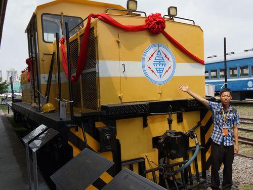 写真=日立製のディーゼル機関車