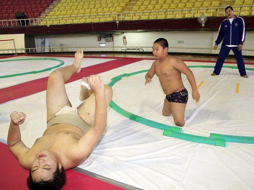 台湾・高雄で相撲の世界選手権大会  障がい持つ小学生らがPR