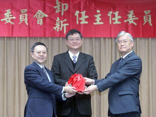 王郁キ氏(左)と夏立言氏(右)