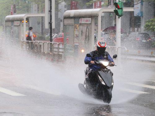 台湾各地で大雨の恐れ  9月1日まで=前線停滞の影響で