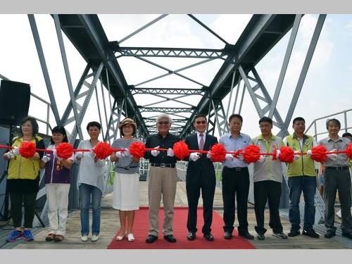 台風で崩壊した日本統治時代建造の鉄橋、修復完了できょうお披露目/台湾