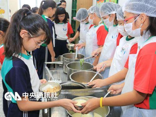 台湾、学校で遺伝子組み換え食品の提供禁止へ