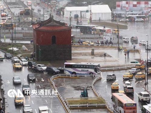 日本時代の建物残る北門周辺、跨線橋の撤去で景観すっきり/台湾・台北