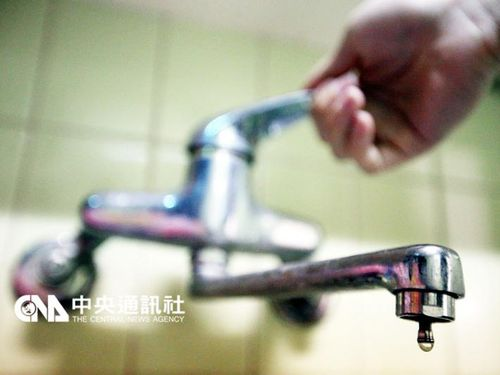台湾南部地震  台南市の一部で依然断水  張首相が陳謝