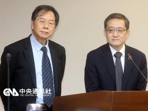 蒋丙煌氏(左)と郭旭スウ氏