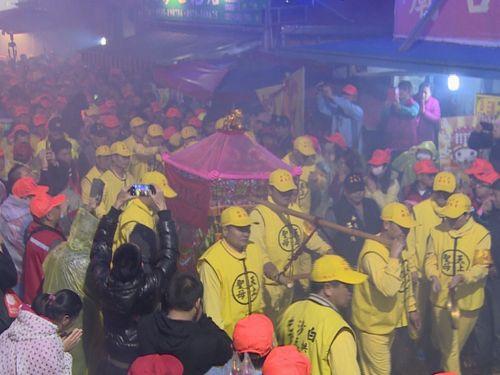 苗栗・白沙屯の媽祖巡礼、1万人以上が参加  片道200キロを歩く/台湾