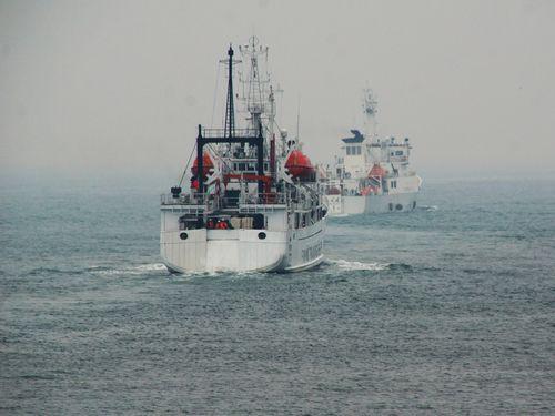 5月1日、沖ノ鳥に向けて高雄港を出港する台湾の巡視船と訓練船