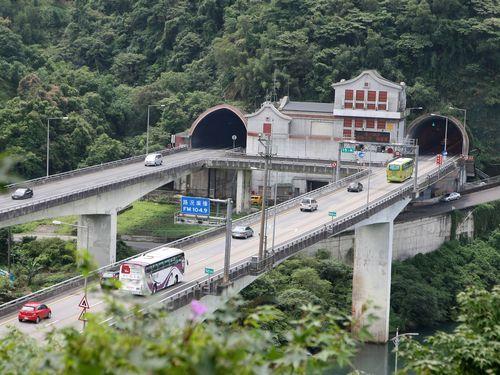 雪山トンネルの出入口付近