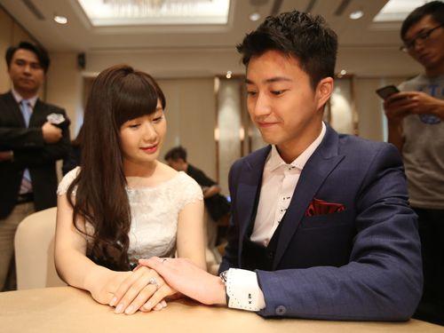 江宏傑(右)、福原愛夫婦