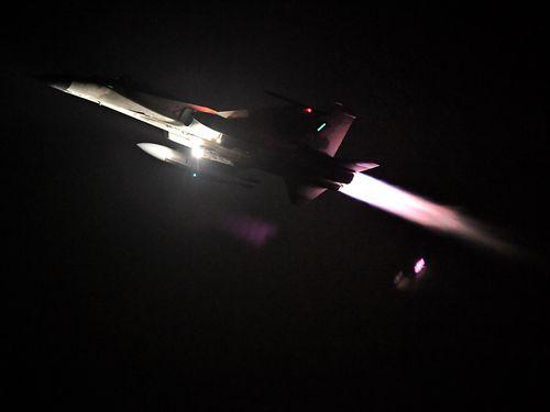 空軍、国産戦闘機が夜間演習  台湾海峡の万全な警戒態勢を強調