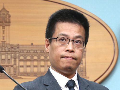 総統府の黄重諺報道官
