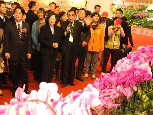 国際蘭展、台南で開幕  蔡総統「台湾をラン苗の供給中心地に」