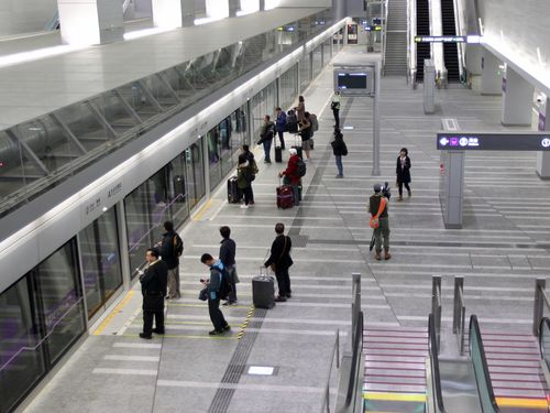 <空港線>システム障害、一部区間で最大15分遅れ 開業以来初/台湾