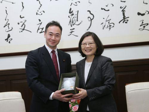 蔡総統、日本の協力姿勢に感謝 さらなる交流に期待/台湾