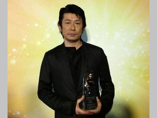 台湾観光貢献賞を受賞する永瀬正敏さん=2016年2月撮影