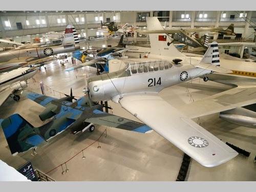 軍用機ら41機がずらり=航空教育展示館/台湾