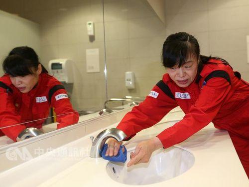 台北駅の公衆トイレは「40点」=日本の清掃のプロが評価/台湾