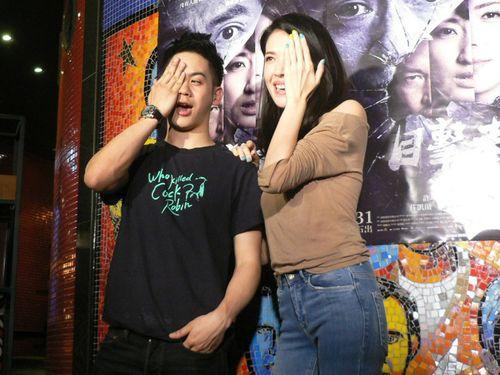 「目撃者」に出演する(左から)メイソン・リー(李淳)とティファニー・シュー=2017年4月8日