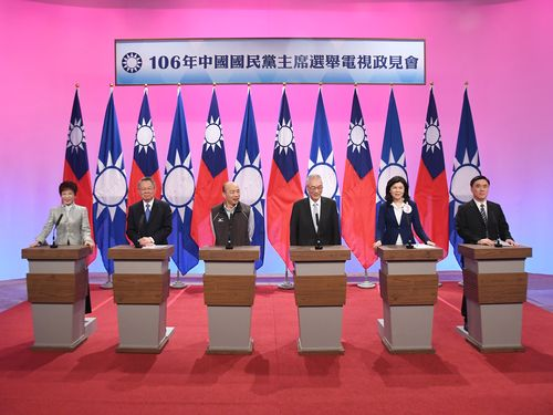 国民党主席選挙、初の政見発表会  現職が李登輝氏を批判