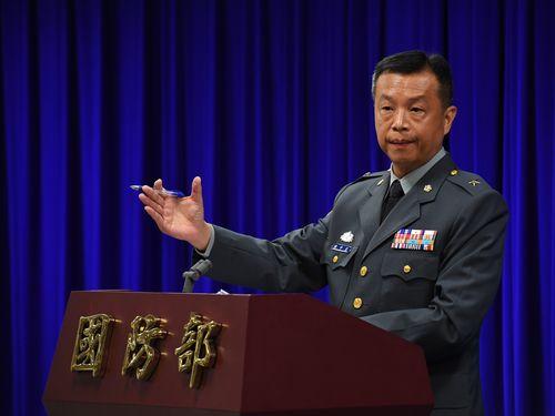 5月の兵棋演習実施を発表する国防部の陳中吉報道官