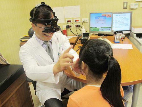 台湾の学生、視力低下が顕著 高校生では8割