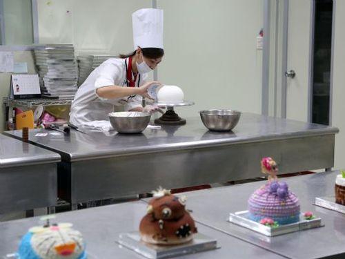 芸術的なケーキがテーマ 台湾・台南に観光工場