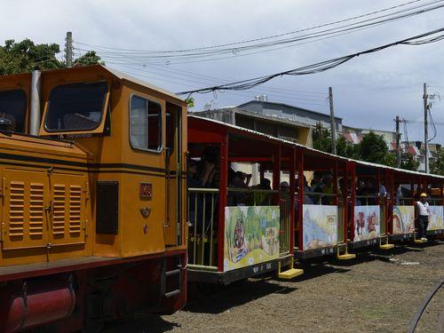 サトウキビ列車が台湾新幹線に連絡  鉄道の魅力で地方に活力注入