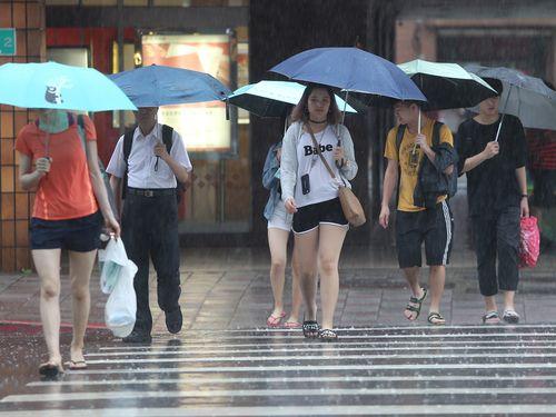 台湾に梅雨前線停滞  来週後半まで大雨や雷に注意