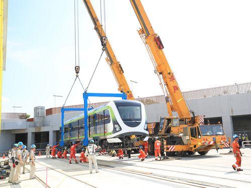 台湾製の自動運転車両搬入  台中メトロの新たなマイルストーンに