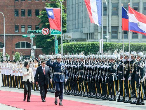 パラグアイ大統領が台湾訪問  蔡総統、盛大に歓迎