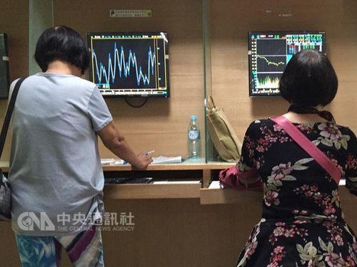 台湾株式市場、27年ぶり高値