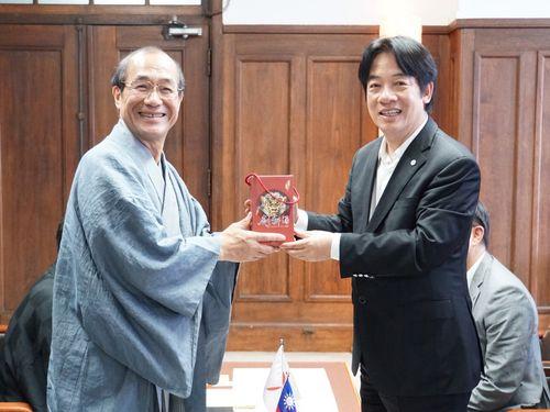 左から門川大作京都市長、頼清徳台南市長=台南市政府提供