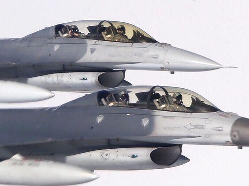 戦闘機F16に餅を持ち込み 空軍幹部「規律を強化する」/台湾
