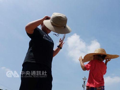 8月の気温37度超日数 台北で過去最多更新 暑さ続く見込み/台湾