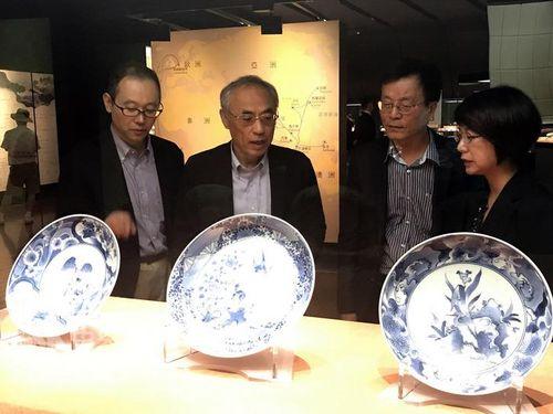 故宮南院で割れた伊万里焼、継ぎ目を金で修復 日台合作の証しに/台湾