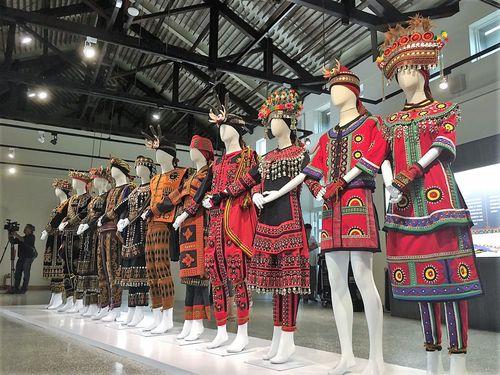 屏東県で新鋭デザイナー企画の展覧会  先住民の服飾文化を紹介/台湾