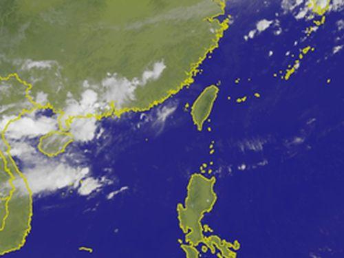 台風17号、熱帯低気圧に 警報解除/台湾