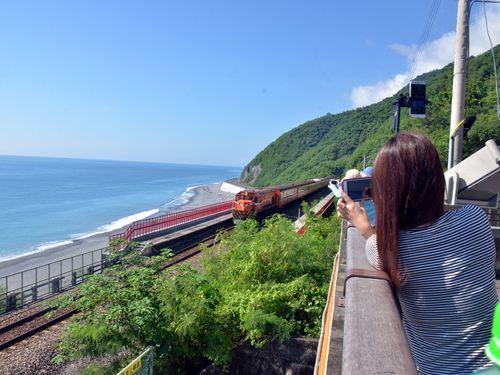 台湾鉄道、人気の電車撮影スポット一挙公開へ ファンの心境は複雑?