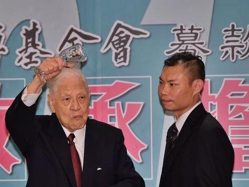 李登輝氏、頼清徳新行政院長は「若く実行力もある」/台湾