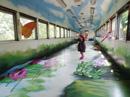 日本統治時代の鉄橋 古くなった列車を再活用し教育の場に/台湾