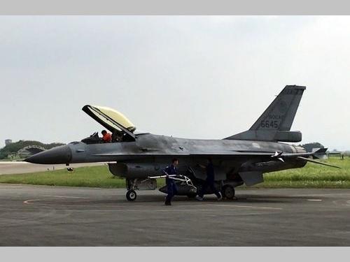 空軍、F16の緊急発進訓練 実力アピール/台湾