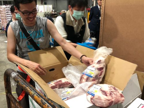 日本産牛肉輸入解禁  第1便205キロが台湾に到着  税関手続き始まる
